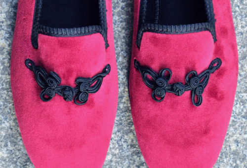 Slippers-brandebourg-mashed-raspberry-detail-ambassade-excellence-caulaincourt